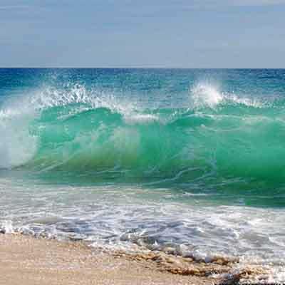 beach-waves-goa-visiit