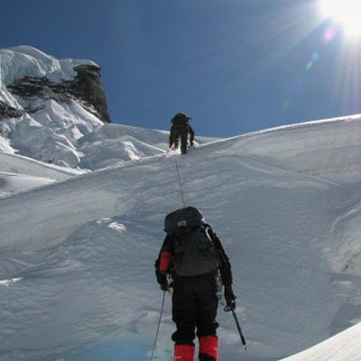 sikkim-tourist-places-peak-climbing-visiit