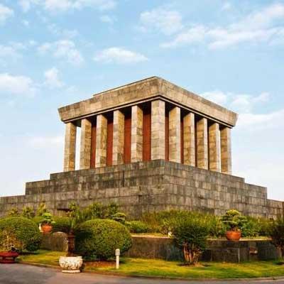 ho-chi-minh-mausoleum-vietnam-visiit-travel